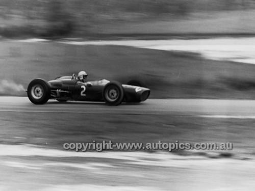 62562 - John Surtees, Lola - Lakeside 1962