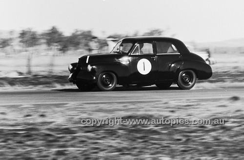 60527 - Ian (Pete) Geoghegan, FX  Holden, Lowood 1960