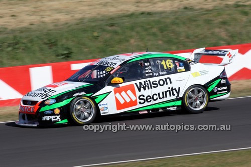 14070 -   Scott Pye & Ashley Walsh, Ford Falcon FG - 2014 Supercheap Auto Bathurst 1000 - Photographer Craig Clifford