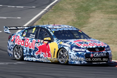 14058 -  Jamie Whincup & Paul Dumbrell, Holden VF Commodore - 2014 Supercheap Auto Bathurst 1000 - Photographer Craig Clifford
