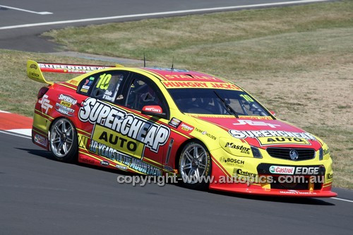 14051 - Tim Slade & Tony D'Alberto, Holden VF Commodore - 2014 Supercheap Auto Bathurst 1000 - Photographer Craig Clifford