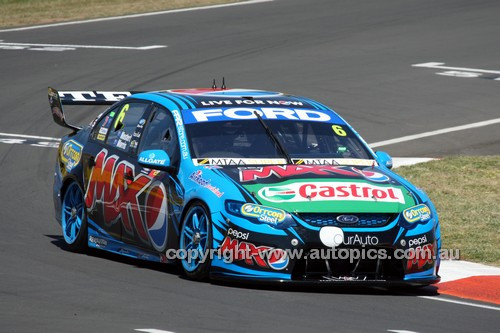 14049 - Chaz Mostert & Paul Morris, Ford Falcon FG - 1st Outright - 2014 Supercheap Auto Bathurst 1000 - Photographer Craig Clifford