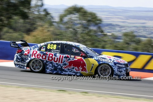 14038 - Craig Lowndes & Steven Richards, Holden VF Commodore - 2014 Supercheap Auto Bathurst 1000 - Photographer Craig Clifford