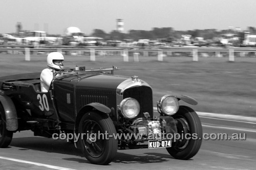 78071 - John Creswell Blower Bentley - Sandown 1978 - Photoographer Peter D'Abbs