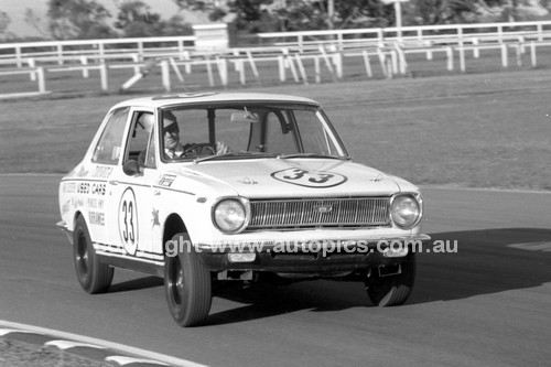 69350 - Peter Williamson, Toyota Corolla - Warwick Farm 1969 - Photographer Lance J Ruting.