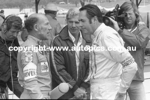 Brabham & Moss  -  In the pitts -  Bathurst  1976