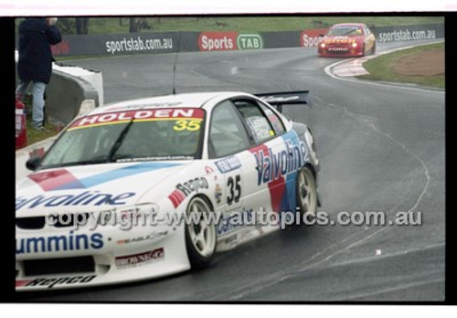 FIA 1000 Bathurst 19th November 2000 - Photographer Marshall Cass - Code 00-MC-B00-095