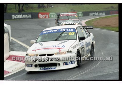 FIA 1000 Bathurst 19th November 2000 - Photographer Marshall Cass - Code 00-MC-B00-101