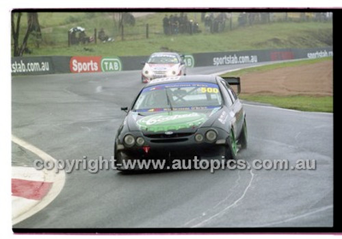 FIA 1000 Bathurst 19th November 2000 - Photographer Marshall Cass - Code 00-MC-B00-103