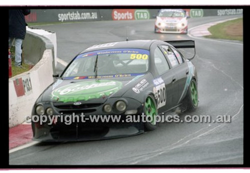 FIA 1000 Bathurst 19th November 2000 - Photographer Marshall Cass - Code 00-MC-B00-104
