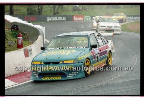 FIA 1000 Bathurst 19th November 2000 - Photographer Marshall Cass - Code 00-MC-B00-106