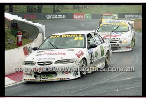 FIA 1000 Bathurst 19th November 2000 - Photographer Marshall Cass - Code 00-MC-B00-107