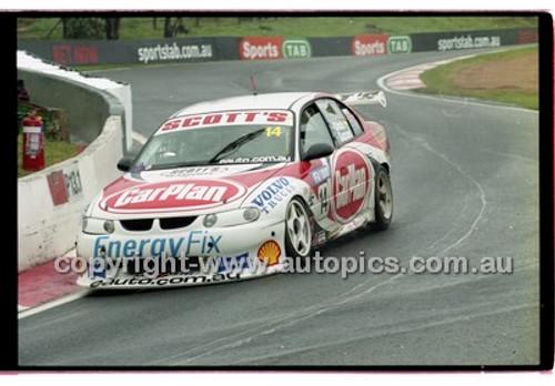 FIA 1000 Bathurst 19th November 2000 - Photographer Marshall Cass - Code 00-MC-B00-108