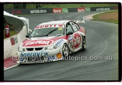 FIA 1000 Bathurst 19th November 2000 - Photographer Marshall Cass - Code 00-MC-B00-108