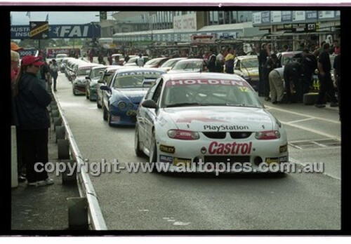FIA 1000 Bathurst 19th November 2000 - Photographer Marshall Cass - Code 00-MC-B00-113