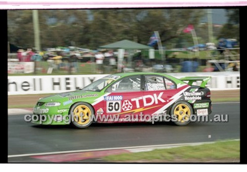 FIA 1000 Bathurst 19th November 2000 - Photographer Marshall Cass - Code 00-MC-B00-119