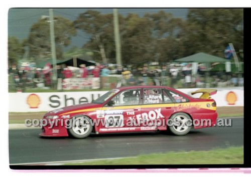 FIA 1000 Bathurst 19th November 2000 - Photographer Marshall Cass - Code 00-MC-B00-121