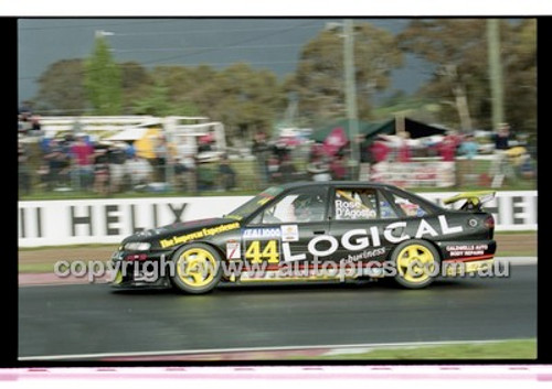 FIA 1000 Bathurst 19th November 2000 - Photographer Marshall Cass - Code 00-MC-B00-122