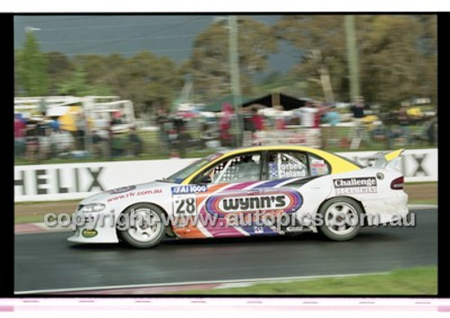 FIA 1000 Bathurst 19th November 2000 - Photographer Marshall Cass - Code 00-MC-B00-123