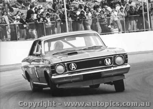 70002  -  Allan Moffat  -  Falcon GTHO  Oran Park  1970 - Photographer David Blanch