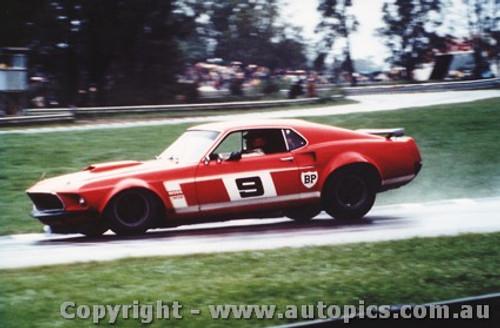 70004  -  Allan Moffat  -  Mustang  Warwick Farm  1970 - Photographer David Blanch