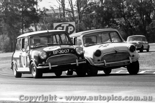 70016  -  Stanley & Holland  -  Morris Cooper S  Warwick Farm  1970 - Photographer David Blanch