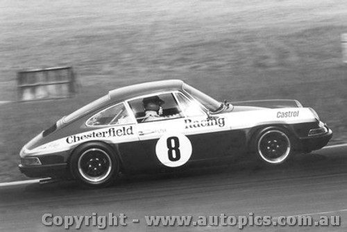 70019  -  Brian Foley  -  Porsche 911s - Oran Park  1970 - Photographer David Blanch