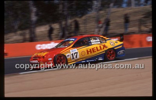Bathurst 1000, 2002 - Photographer Marshall Cass - Code 02-B02-002