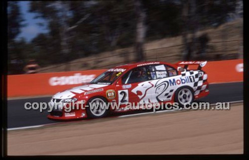 Bathurst 1000, 2002 - Photographer Marshall Cass - Code 02-B02-004