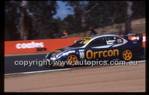 Bathurst 1000, 2002 - Photographer Marshall Cass - Code 02-B02-007