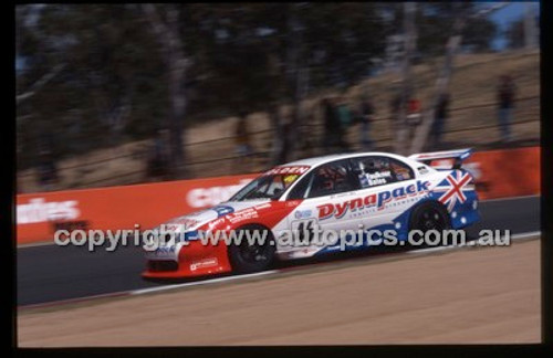 Bathurst 1000, 2002 - Photographer Marshall Cass - Code 02-B02-009