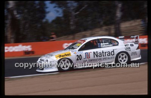 Bathurst 1000, 2002 - Photographer Marshall Cass - Code 02-B02-011