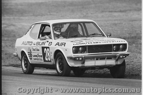 81002  -  Rod Barrett  -  Fiat 128 - Oran Park 1981