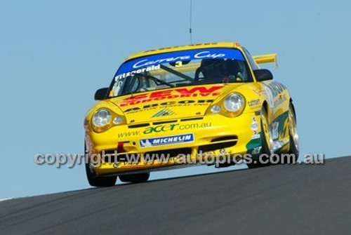 Bathurst 1000, 2004 -  Photographer Marshall Cass - Code 04-MC-B04-015