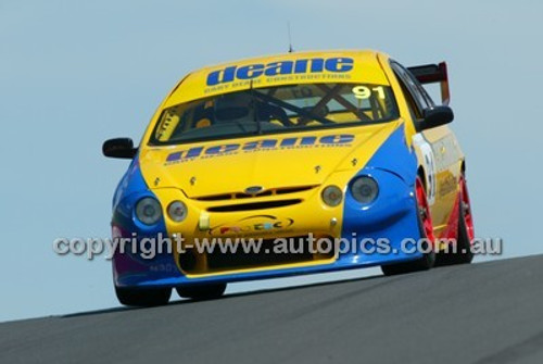 Bathurst 1000, 2004 -  Photographer Marshall Cass - Code 04-MC-B04-028