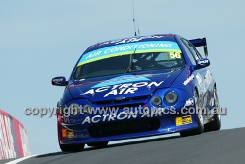 Bathurst 1000, 2004 -  Photographer Marshall Cass - Code 04-MC-B04-029