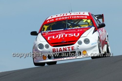 Bathurst 1000, 2004 -  Photographer Marshall Cass - Code 04-MC-B04-031