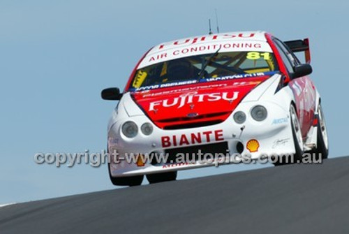 Bathurst 1000, 2004 -  Photographer Marshall Cass - Code 04-MC-B04-032