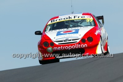 Bathurst 1000, 2004 -  Photographer Marshall Cass - Code 04-MC-B04-037