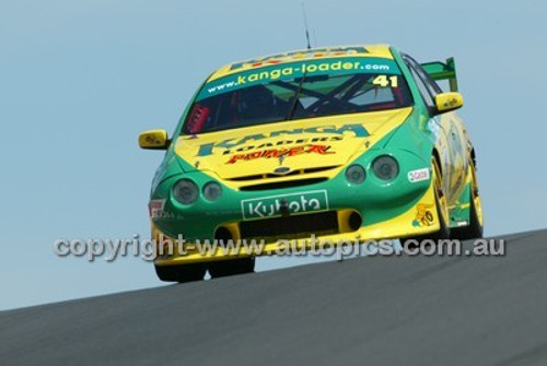 Bathurst 1000, 2004 -  Photographer Marshall Cass - Code 04-MC-B04-038