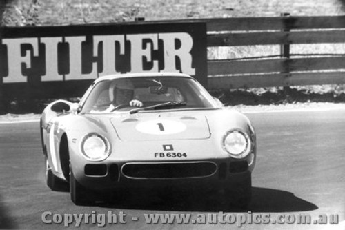 66401  -  W. Brown  -  Ferrari 250 LM - Bathurst 1966