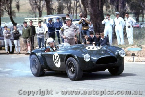 67412  -  Ron Thorp  -  Cobra - Bathurst Hill Climb 1967
