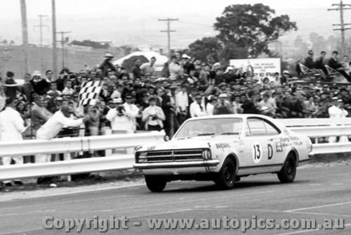 68701  -  McPhee / Mulholland  -  Bathurst 1968 - 1st Outright & Class D winner -Holden Monaro GTS 327