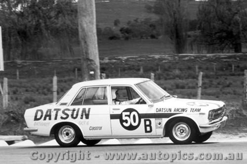 68705  -  Roxburgh / Whiteford  -  Bathurst 1968 - Class B winner - Datsun 1600