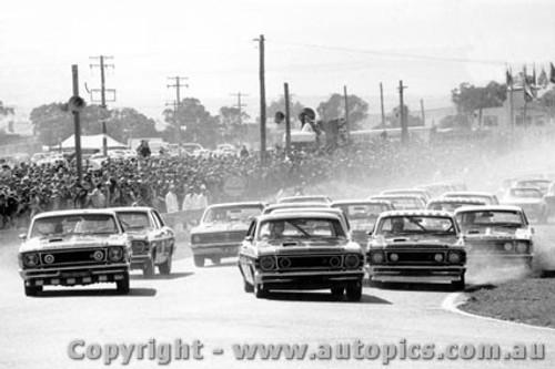 69711  -  The Start - Bathurst 1969 - Ford Falcon GTHO
