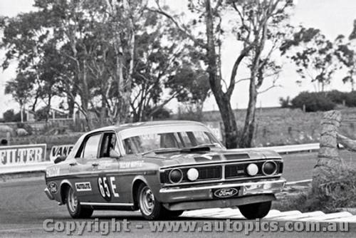 71702  -  Allan Moffat  -  Bathurst 1971 -1st Outright & Class E winner - Ford Falcon GTHO Phase 3