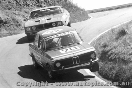 75712  -  P. Williamson / J. Mc Donald  -  Bathurst 1975   BMW 2002 Tii