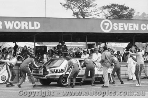 76706  -  C. Bond / J. Harvey  -  Bathurst 1976   2nd Outright - Torana L34 SLR5000