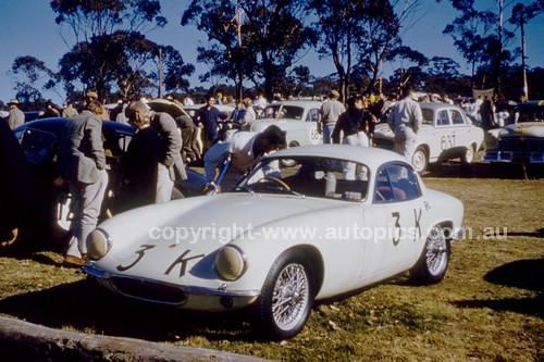 63424 - Leo Geoghegan, Lotus Elite - Catalina Park Katoomba 1963