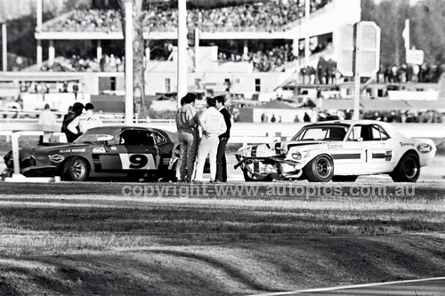70843 - Allan Moffat & Pete Geoghegan Mustangs coming together at Warwick Farm 1970  - Photographer Lance J Ruting